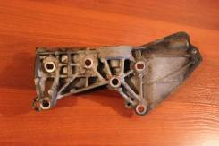 Кронштейн генератора Renault Fluence 2010 (Кронштейн генератора) [8200669495]