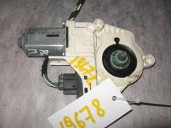 Моторчик стеклоподъемника передний правый Audi A6 C6 2005-2011 (Моторчик стеклоподъемника) [4F0959802D]
