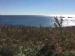 Срочно продам земельный участок на берегу моря в п. Южно-Морской. 948кв.м., собственность