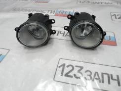 Фара противотуманная левая Toyota Avensis AZT251