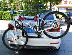 Автомобильные крепления для велосипедов. Jeep