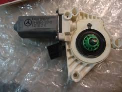 Моторчик стеклоподъемника (передний левый) [A2218202742] для Mercedes-Benz S-class W221 [арт. 417765]