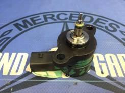 Регулятор давления топлива Mercedes ML-Class, C-Class, CLK-Class, E-Class, G-Class, A-Class, V-Class, S-Class, Sprinter 2005 [61107805490281002698]