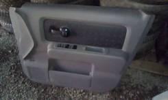 Вкладыш на суперовую правую дверь на Ниссан Куб с 2006 года