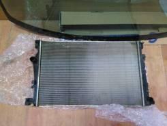 Радиатор охлаждения Jeep Cherokee