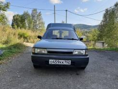 Nissan. Продам фургон, 1 700куб. см., 500кг., 4x2