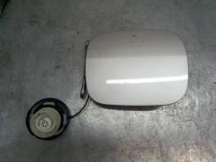 Лючок бензобака Toyota Corolla 2001-2007 [7735013080,7730028010]