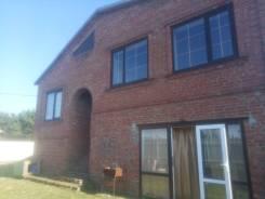 Продаю дом. Татьяны голуб 5, р-н южный, площадь дома 200,0кв.м., скважина, централизованный водопровод, электричество 15 кВт, отопление газ, от част...