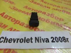 Кнопка противотуманки Chevrolet Niva Chevrolet Niva 2008