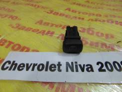 Кнопка обогрева заднего стекла Chevrolet Niva Chevrolet Niva 2008