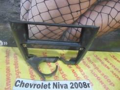 Консоль вокруг магнитолы Chevrolet Niva Chevrolet Niva 2008