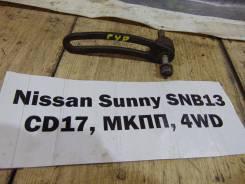 Кронштейн гидроусилителя руля Nissan Sunny SNB13 Nissan Sunny SNB13