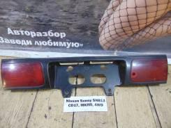 Накладка крышки багажника Nissan Sunny SNB13 Nissan Sunny SNB13