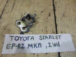 Крепление двери багажника задн. прав. Toyota Starlet EP82 Toyota Starlet EP82