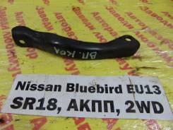 Кронштейн впускного коллектора Nissan Bluebird EU13 Nissan Bluebird EU13