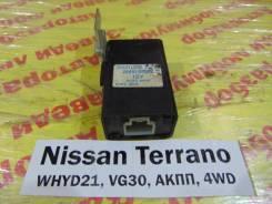 Блок управления дверьми Nissan Terrano WHYD21 Nissan Terrano WHYD21 1992