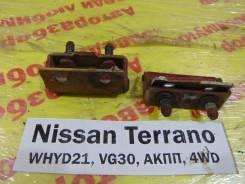 Крепление двери багажника Nissan Terrano WHYD21 Nissan Terrano WHYD21 1992