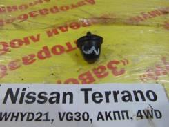 Форсунка омывателя задн. Nissan Terrano WHYD21 Nissan Terrano WHYD21 1992