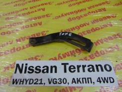 Кронштейн генератора Nissan Terrano WHYD21 Nissan Terrano WHYD21 1992