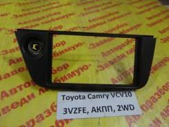 Консоль вокруг магнитолы Toyota Camry XCV10 Toyota Camry XCV10 1994