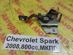 Ручка открывания бензобака Chevrolet Spark M200 Chevrolet Spark M200 2008