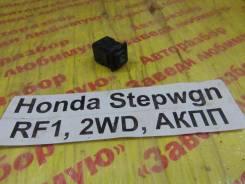 Кнопка включения противотуман фар Honda Stepwgn RF1 Honda Stepwgn RF1 1997