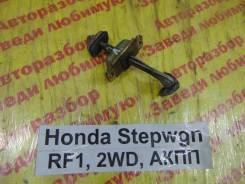 Ограничитель двери перед. лев. Honda Stepwgn RF1 Honda Stepwgn RF1 1997