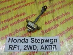 Ограничитель двери Honda Stepwgn RF1 Honda Stepwgn RF1 1997, правый передний