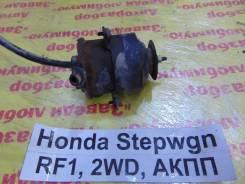 Мотор вентилятора охлаждения Honda Stepwgn RF1 Honda Stepwgn RF1 1997