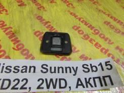Крепление зеркала Nissan Sunny SB15 Nissan Sunny SB15 2000