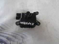 Мотор заслонки печки. Audi A6 allroad quattro, 4BH Audi RS6, 4B4, 4B6 Audi S6, 4B2, 4B4, 4B5, 4B6 Audi A6, 4B2, 4B4, 4B5, 4B6 AKE, APB, ARE, BAS, BAU...