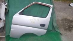 8/411 Дверь передняя левая Nissan Caravan VWME25
