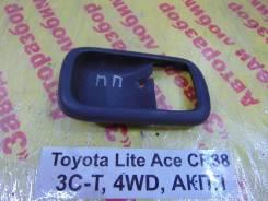 Накладка ручки внутренней Toyota Lite Ace, Town Ace Toyota Lite Ace, Town Ace 1995.12, правая передняя