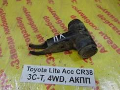 Кронштейн торсиона Toyota Lite Ace, Town Ace Toyota Lite Ace, Town Ace 1995.12, левый передний