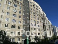 4-комнатная, улица Ладыгина 15. 64, 71 микрорайоны, проверенное агентство, 89,0кв.м. Дом снаружи