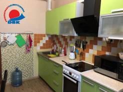 3-комнатная, улица Ладыгина 2. 64, 71 микрорайоны, проверенное агентство, 71,0кв.м.