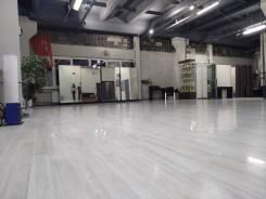 Танцевальный зал в аренду. Улица Красной Армии 10 кор. 3, р-н Квант, 150,0кв.м., цена указана за квадратный метр в месяц