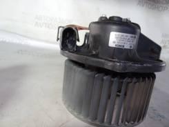 Мотор вентилятора печки. Audi S6, 4B2, 4B4, 4B5, 4B6 Audi A6, 4B2, 4B4, 4B5, 4B6 ACK, AEB, AFB, AFN, AFY, AGA, AGB, AGE, AHA, AJG, AJK, AJL, AJM, AJP...
