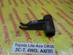 Кронштейн торсиона Toyota Lite Ace, Town Ace Toyota Lite Ace, Town Ace 1995.12, правый передний