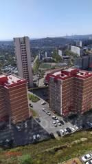 2-комнатная, улица Черняховского 9. 64, 71 микрорайоны, проверенное агентство, 43,2кв.м. Вид из окна днём