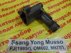 Фланец двигателя системы охлаждения Ssang Yong Musso Ssang Yong Musso 1993.09.14