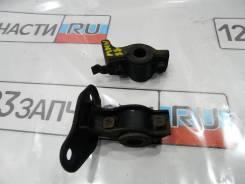 Крепление стабилизатора заднего ( КОМПЛЕКТ ) Toyota Kluger MHU28