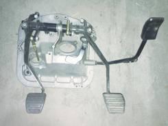 Кронштейн педали сцепления и тормоза в сборе DZ9112230003