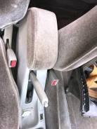 Бардачек между сиденьями Toyota Sprinter 1999