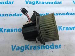 Мотор вентилятора печки. Audi A5, 8F7, 8T3, 8TA Audi A4 CAEA, CAEB, CALA, CAPA, CCWA, CDHB, CDNB, CDNC