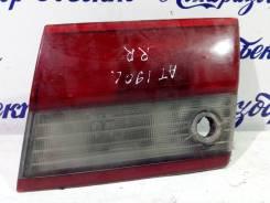 Стоп сигнал в багажнике правый Тoyota Carina E [8158020110]
