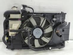Радиатор основной на Toyota Aqua Nhp 10 с распила
