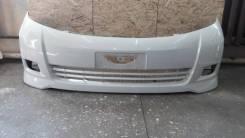 Бампер передний Toyota Isis