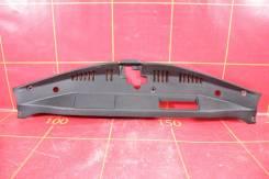 Накладка замка капота (17-) OEM 5329533130 Toyota Camry XV70