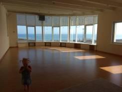 Предоставляем в аренду зал с видом на море под праздники, тренинги, йогу